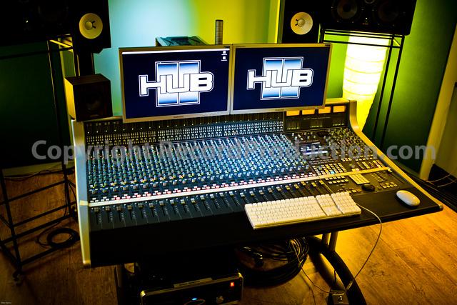 ssl aws 900 mixing desk at the hub recording studios uk