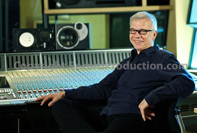 record producer tony visconti at metropolis studios